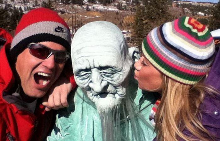 Фестиваль «Дни замороженного мертвеца» в Недерлэнде, Колорадо, США.