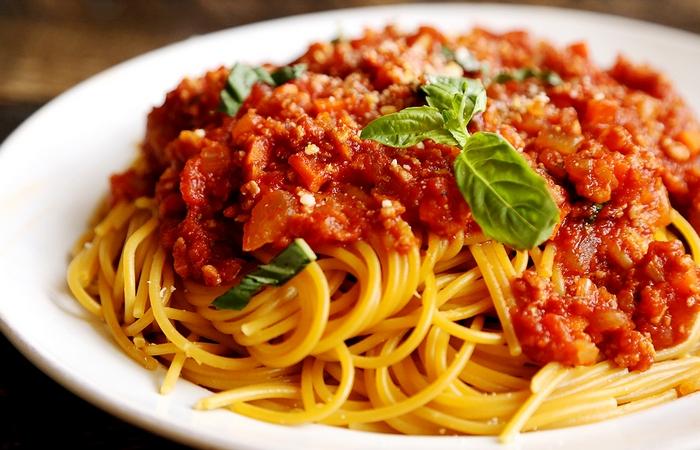 Спагетти «болоньезе».