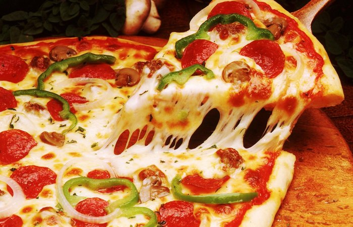 Крутая итальянская пицца.