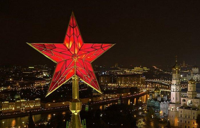 Завораживающие великолепие Кремлевской звезды./ Фото:  stihi.ru