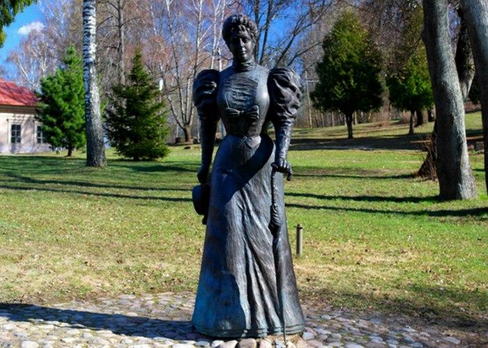 Скульптура Марии Клавдиевны Тенишевой./ Фото: izbrannoe.com