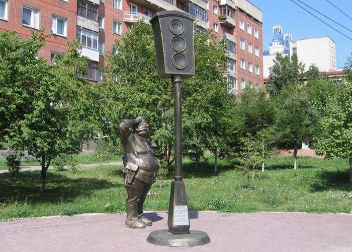 Памятник «Первый светофор»./Фото: ilance.narod.ru