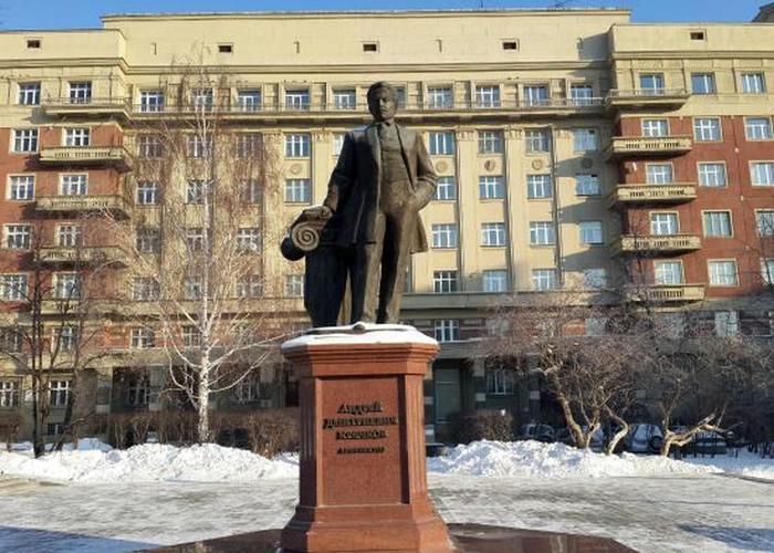Памятник архитектору А.Д.Крячкову./Фото: tripadvisor.co.id