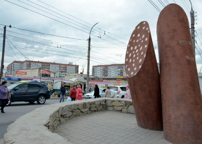 Памятник колбасе./Фото: salt.zone