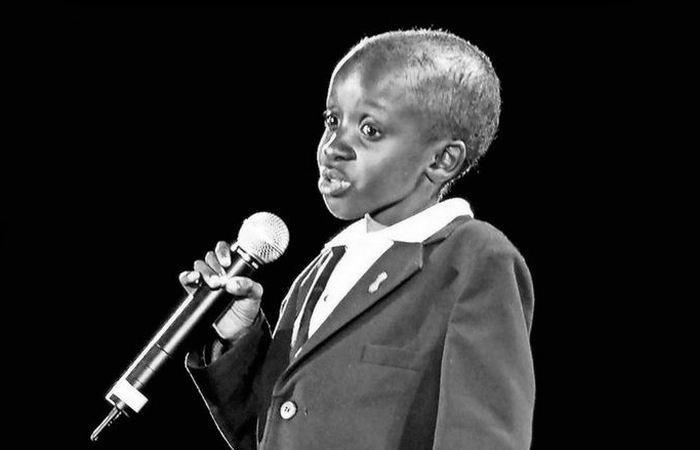 Джонсон Нкоси - начал выступать за права детей, зараженных ВИЧ.