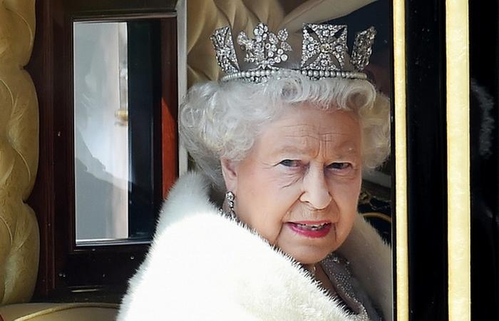 Ее Высочайшее Величество Елизавета Вторая./ Фото: politico.eu