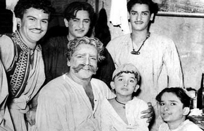 Притхвирадж Капур и сыновья./ Фото: iqing.info