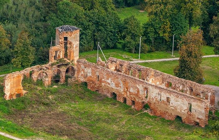 Гольшанский замок хранит немало тайн./ Фото: planetabelarus.by