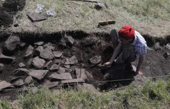 Раскопки ледяной гробницы./ Фото: argumentua.com