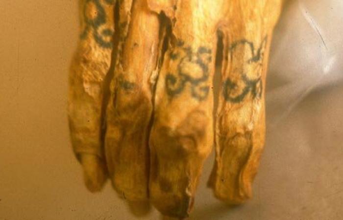 Татуировки - это древняя традиция.