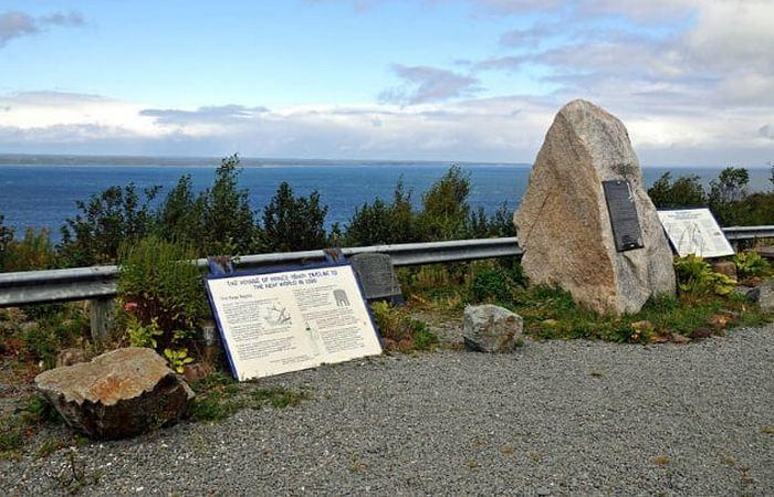 Памятный знак в Новой Шотландии.