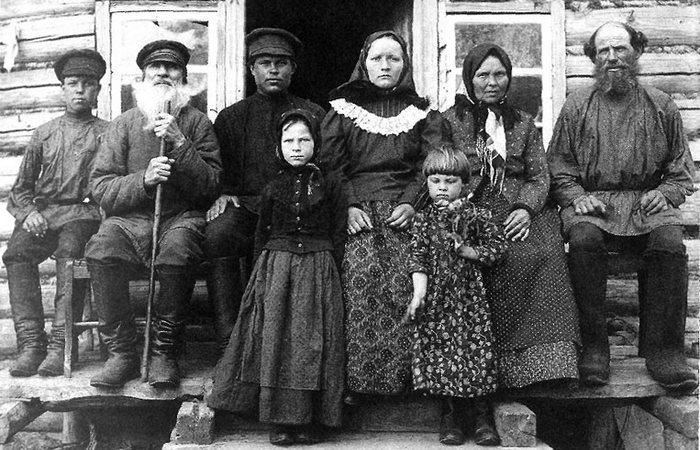 Россия начала ХХ века: крестьянская семья?/ Фото: vibirai.ru