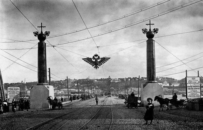 Вид на Плашкоутный мост в Нижнем Новгороде./ Фото: nv.citifox.ru