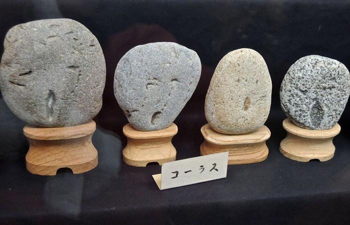 Необычный выставочный экспонат: «Каменные лица».