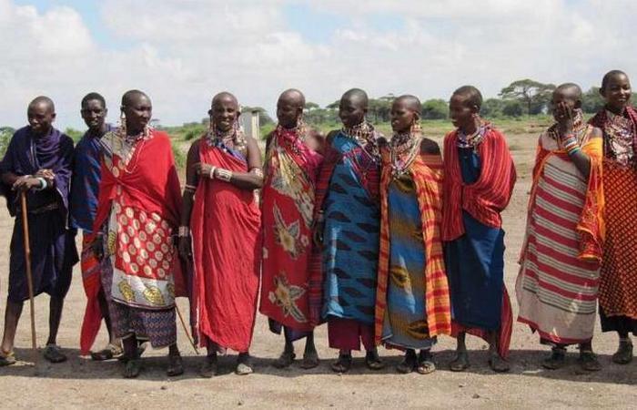 Свадебная традиция: свадебное оплевывание у масаев.