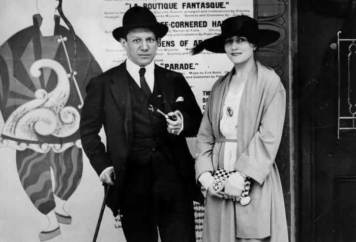 Пабло Пикассо и балерина Ольга Хохлова, разрыв с которой привел художника к кризису
