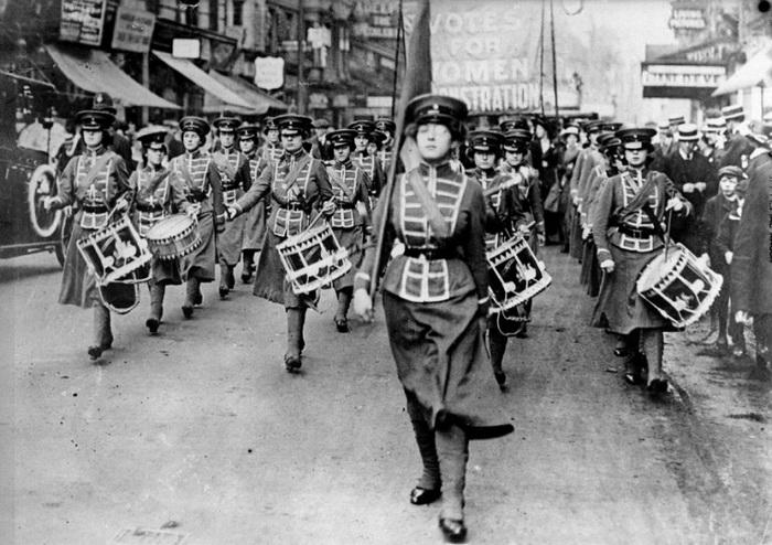 Оркестр, сопровождающий демонстрации суфражисток, состоял исключительно из женщин