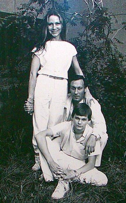 Олег Янковский с женой и сыном. / Фото: www.kinoxxi.ru
