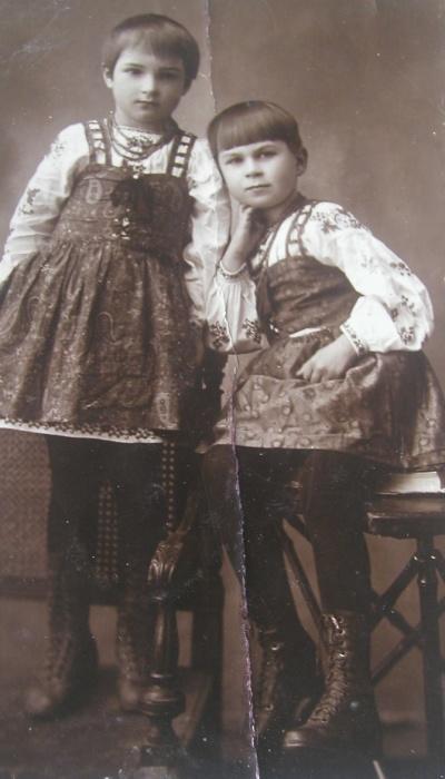 Клара Лучко с сестрой Галиной. / Фото: www.kp.ua