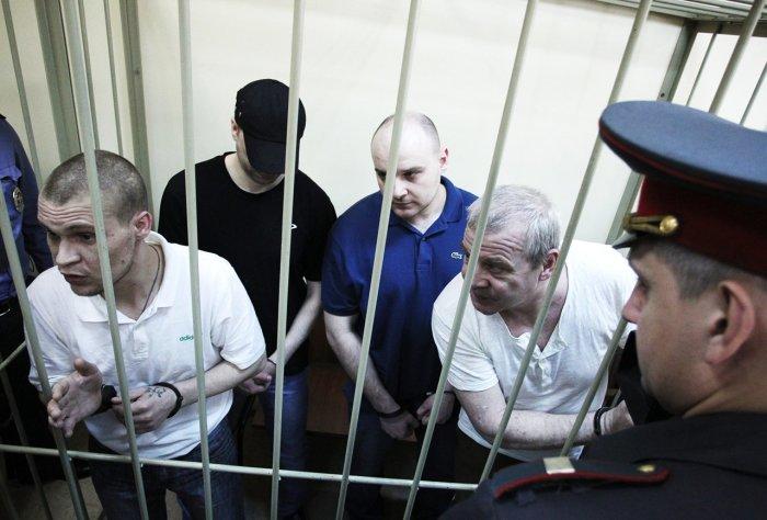 Преступники в суде. / Фото: www.newvz.ru