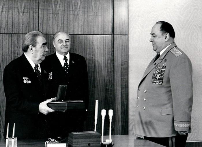 Вручение Маршальской Звезды, 1978 год. / Фото: www.news-mt.ru