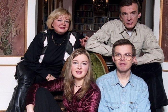 Георгий Тараторкин и Екатерина Маркова с детьми. / Фото:  www.starhit.ru