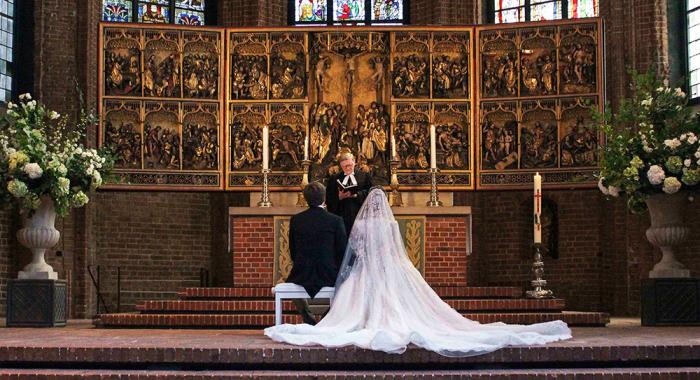 Церемония венчания Эрнста Августа и Екатерины Малышевой. / Фото: www.hellomagazine.com