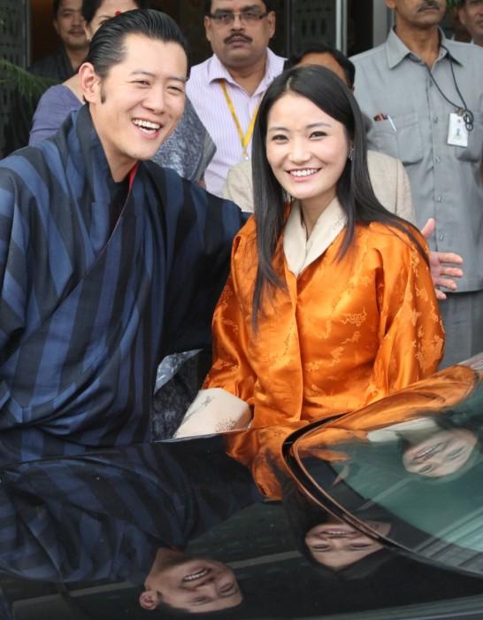 Король Бутана со своей избранницей. / Фото: www.ibtimes.co.in