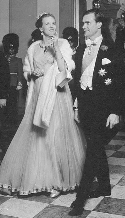 Принцесса Маргарете и принц Хенрик в молодости. / Фото: www.ru-royalty.livejournal.com