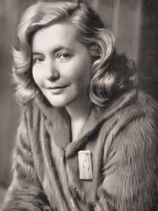 Юлия Друнина. / Фото: www.multiurok.ru