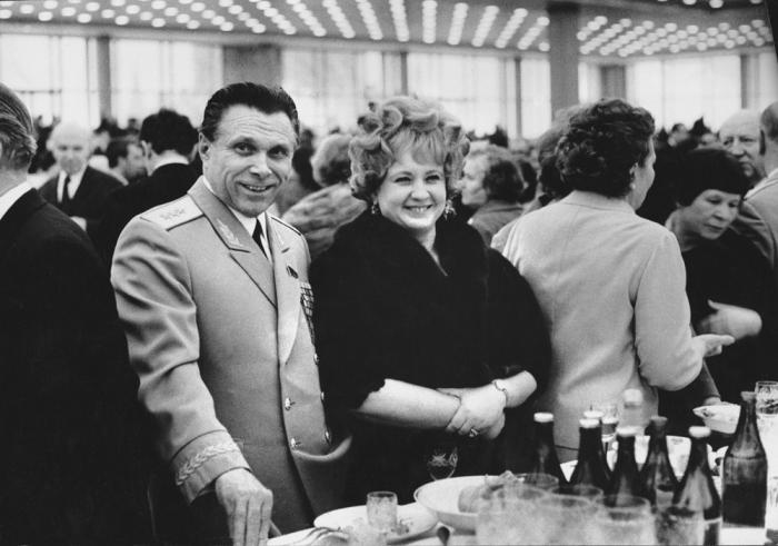 Светлана и Николай Щёлоковы. / Фото: www.baltermants.ru