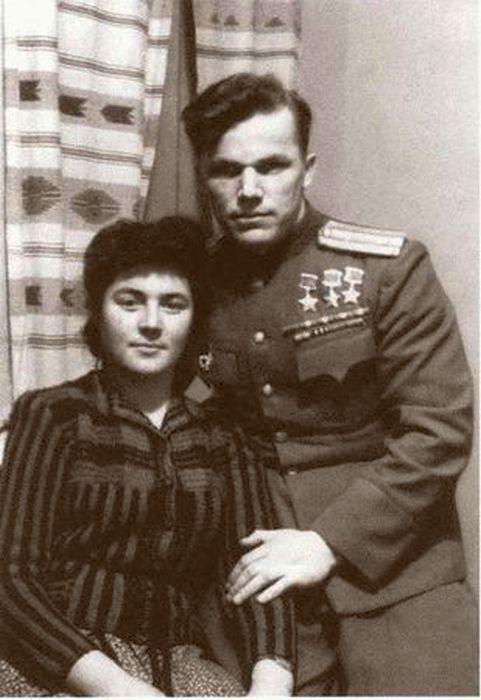 С женой Вероникой Николаевной. 1946. / Фото: www.loveread.me