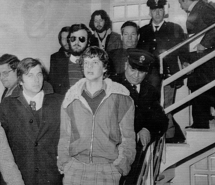 Внук Гетти в итальянском полицейском участке в январе 1974 года вскоре после освобождения в качестве заложника. / Фото: www.dailymail.co.uk