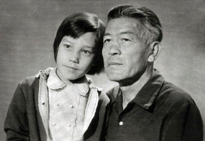 Азиза с отцом. / Фото: www.bulvar.com.ua