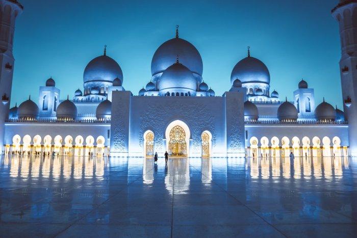 Мечеть шейха Зайда. / Фото: www.twimg.com