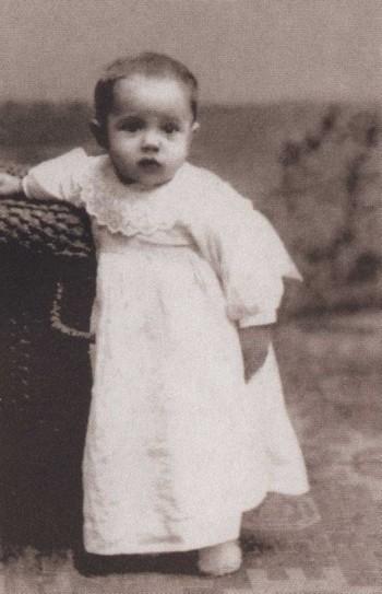 Наташа в возрасте 11 месяцев в Риме, 1903 г. / Фото: www.indbooks.in