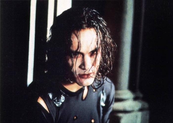 Кадр из фильма «Ворон», 1993 год. / Фото: www.kinopka.3dn.ru