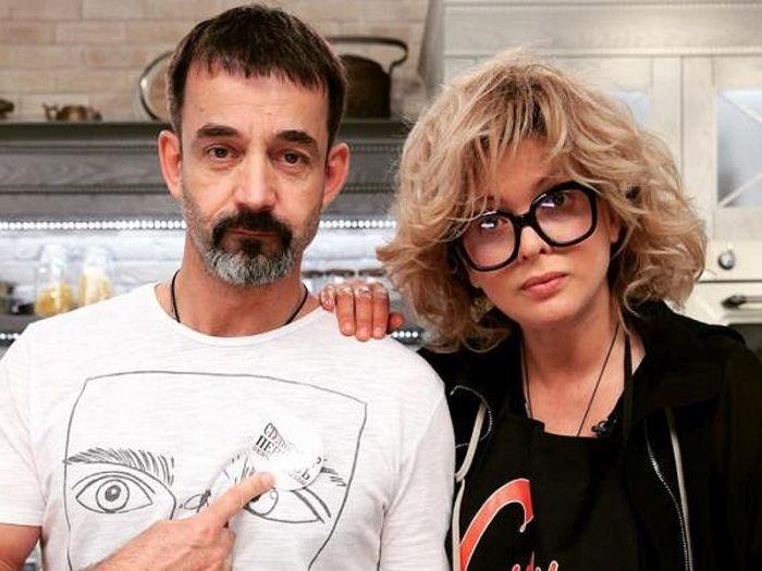 Дмитрий Певцов и Ольга Дроздова с Алёной. / Фото: www.newsbuzz.ru