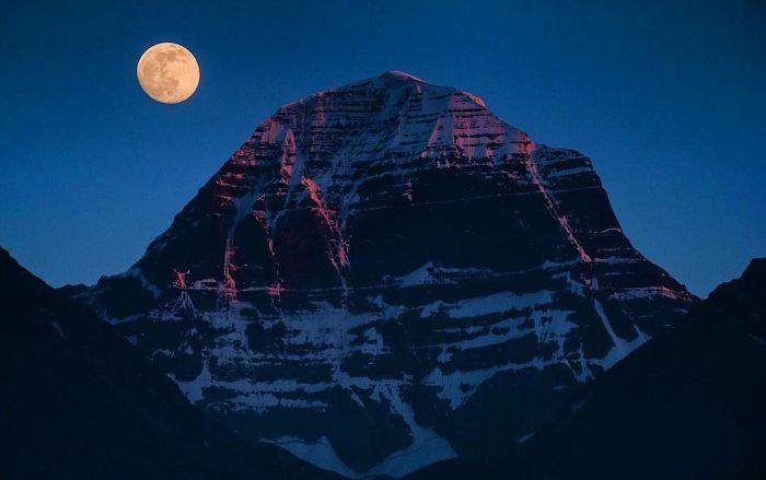 Священная гора Кайлас, Тибет. / Фото: www.golbis.com