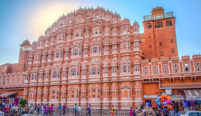 Хава-Махал является символом Джайпура. / Фото: www.rajasthancitydaytour.com