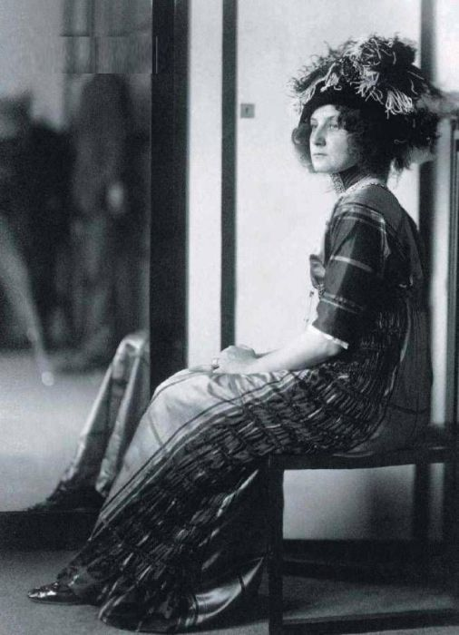 Эмилия Флёге в салоне, 1910 год. / Фото: www.ifotki.info