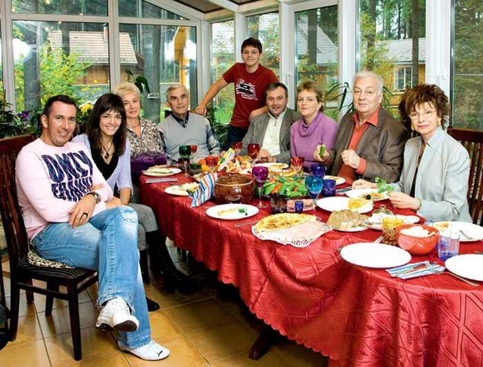 Большая семья Михаила Державина. / Фото: www.7days.ru