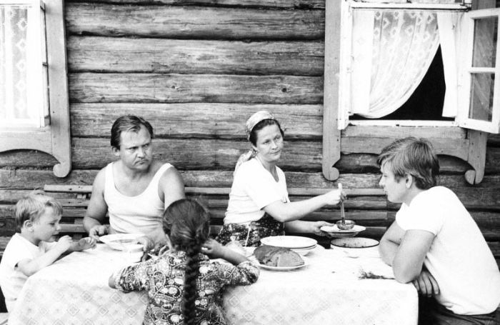 Кадр из фильма «След на земле». / Фото: www.tunnel.ru