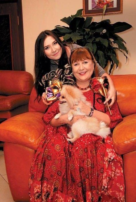 Татьяна Кравченко с дочерью Анной. / Фото: www.tele.ru