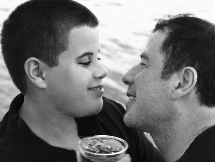 Джон Траволта с сыном Джеттом. / Фото: www.rusdialog.ru