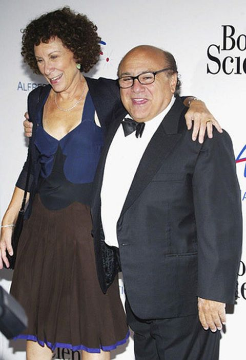 Дэнни Де Вито и Реа Перлман. / Фото: www.cbsistatic.com