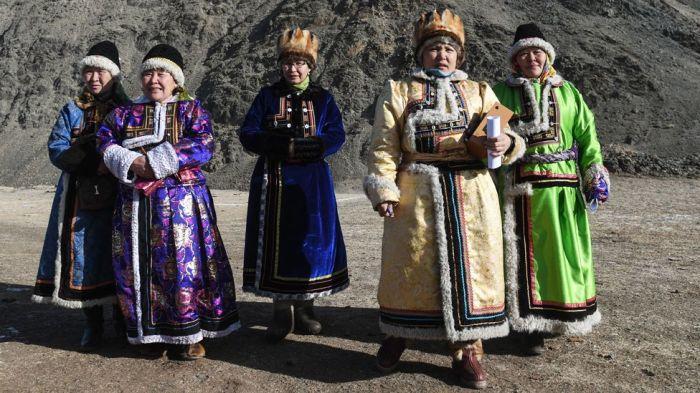 Алтайские женщины точно знают, что с пьянством можно и нужно бороться. / Фото: www.bbc.com