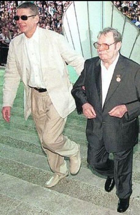 Александр Абдулов и Михаил Пуговкин. / Фото: www.kpcdn.net