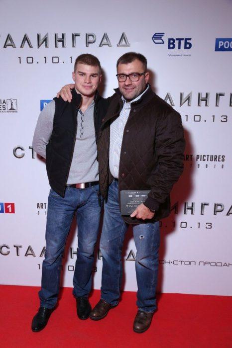 Михаил Пореченков с сыном. / Фото: www.prozvezd.info