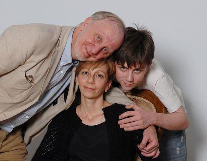 Елизавета и Глеб Глинка с сыном. / Фото: www.wallpaper-wide.ru